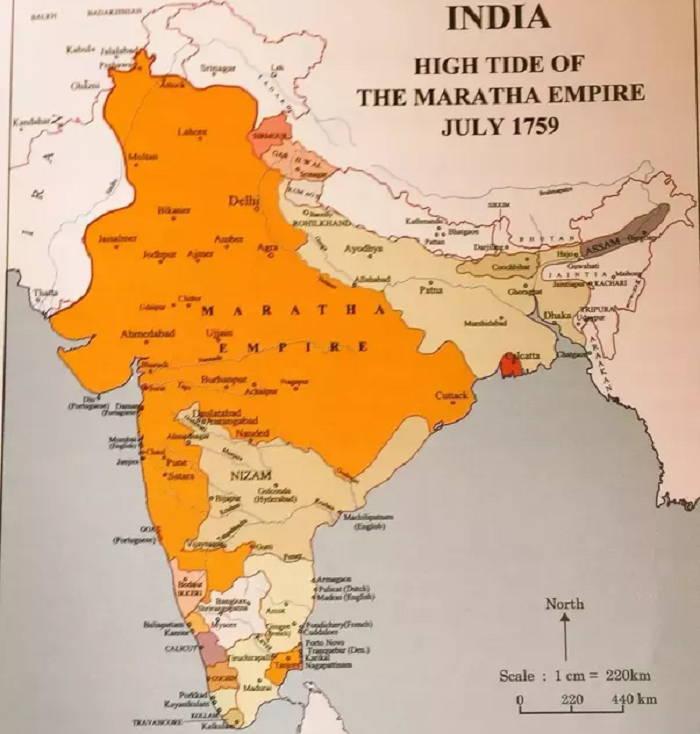 औरंगजेब की मृत्यु के बाद, मराठा ने भूमि पर कब्जा करना शुरू कर दिया और पूरे भारत में अपने शासन का विस्तार करना शुरू कर दिया।