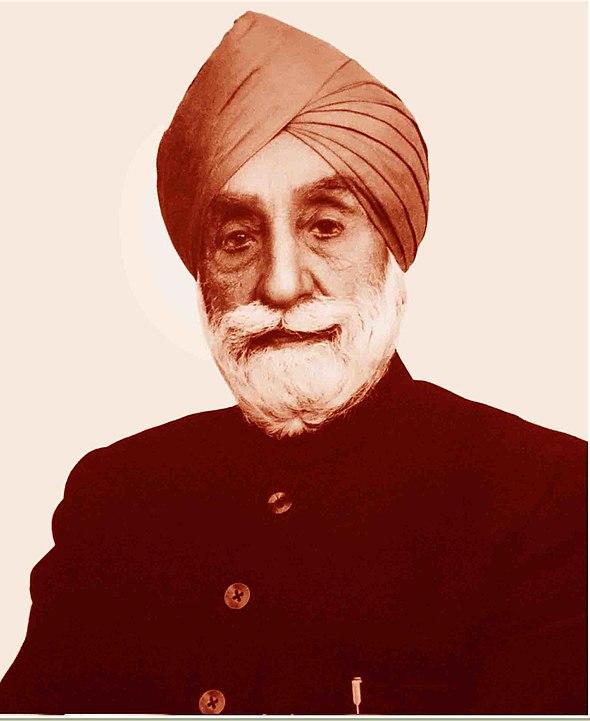 सरदार उज्ज्वल सिंह तमिलनाडु के पहले राज्यपाल के रूप में। वह सिखों का प्रतिनिधित्व करने वाले पहले और दूसरे गोलमेज सम्मेलन के सदस्य थे।