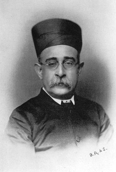सर दिनशॉ एडुल्जी वाचाबंबई के एक पारसी राजनीतिज्ञ थे। वे भारतीय राष्ट्रीय कांग्रेस के संस्थापक सदस्य और 1901 में कांग्रेस के अध्यक्ष भी थे।